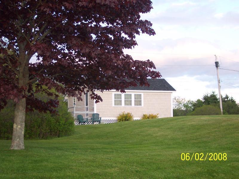 Maine Ocean Front 2 Bedroom Cottage, holiday rental in Tenants Harbor