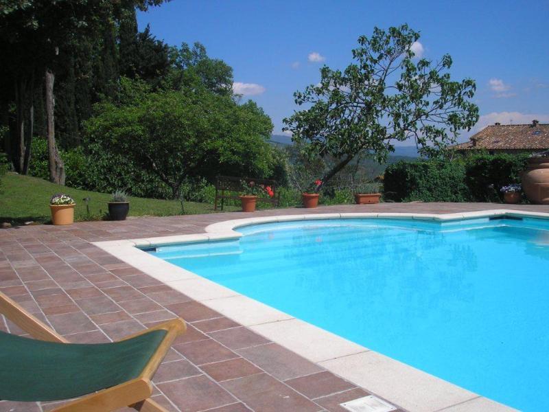 Casa Rosa - charming house with pool, aluguéis de temporada em Caprese Michelangelo
