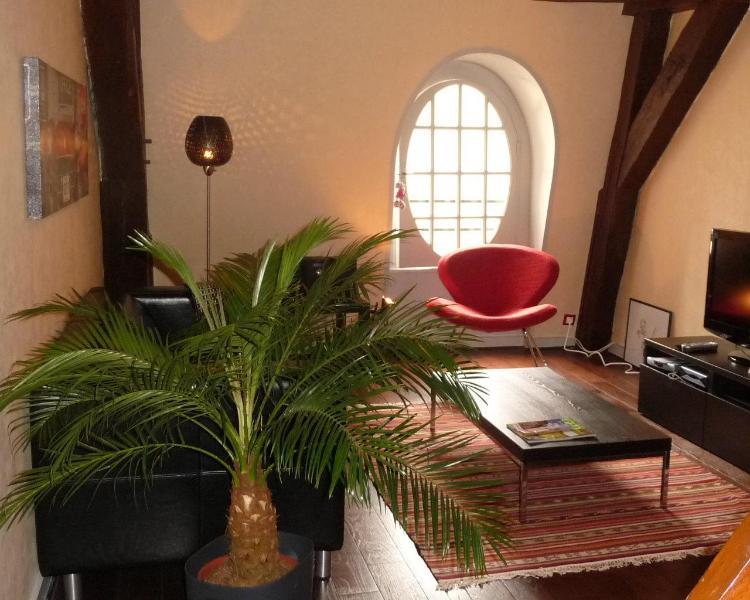 le salon avec poutres, le lodge, au coeur du centre historique de dijon