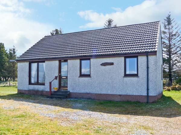 CALADH NA SITH, single storey cottage with sea views, quiet yet good touring, holiday rental in Broadford
