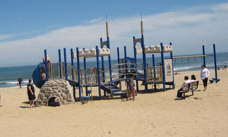 PLAYGROUND ON THE OCEAN