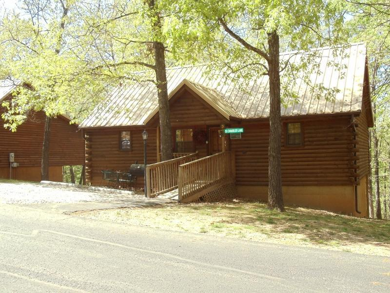 Rustic & Elegant in the Ozark Woods