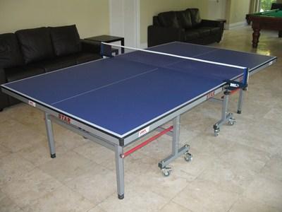 Sala de juegos-ping pong/tenis mesa