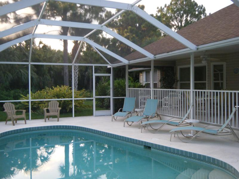 'Old Florida Style' Villa + Heated Pool & Spa, holiday rental in Rotonda West
