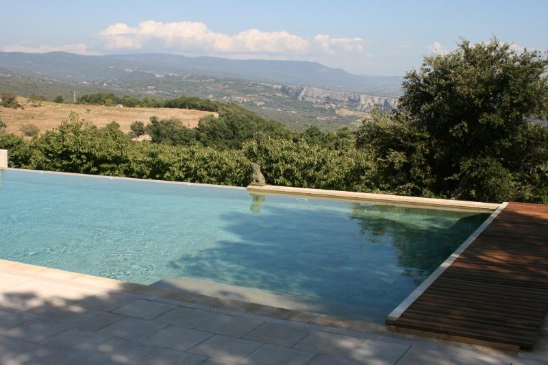 5 BR villa in heart of Provence with Pool & Tennis (off Gordes), holiday rental in Gordes