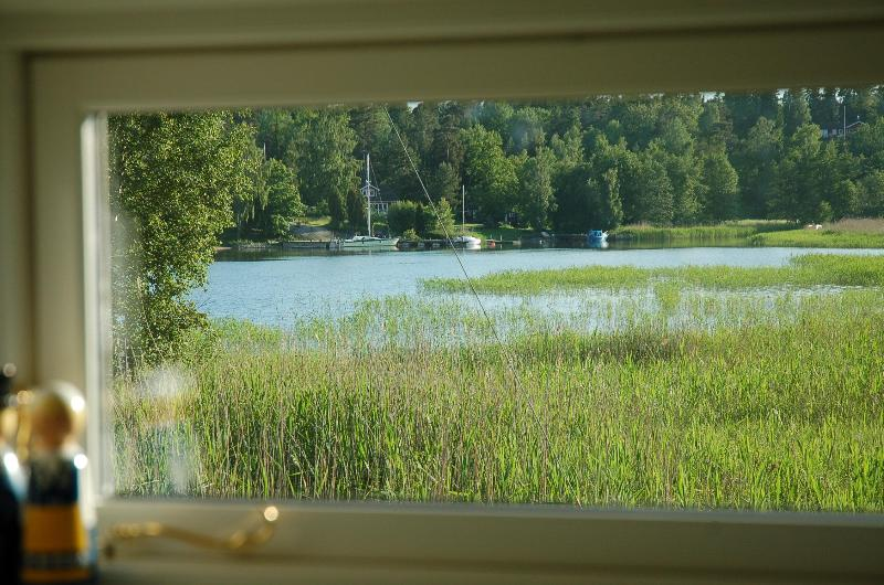 25 meters to Sea. 4 hp rowing boat + canoe, holiday rental in Stockholm