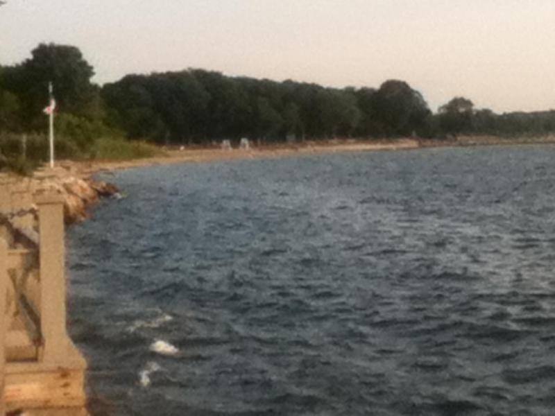 90 second walk..Town Beach at Narragansett Bay