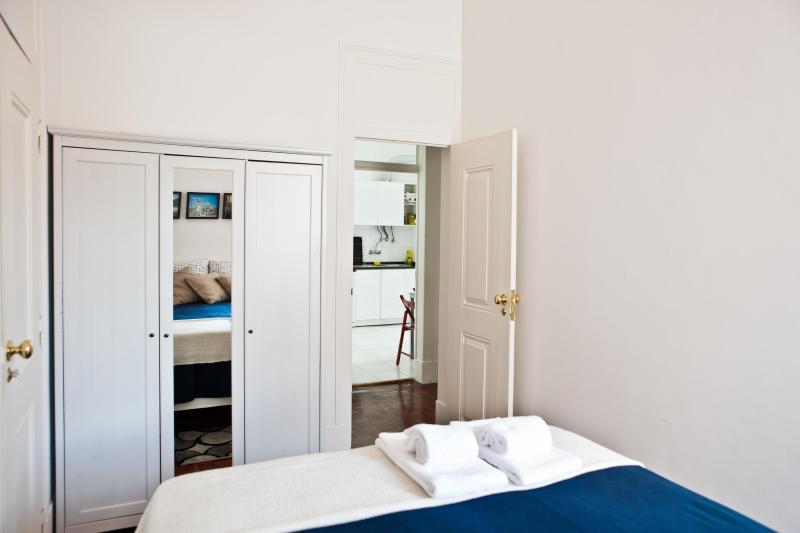 Room #3: 1 double bed (sleep 2)