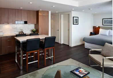 LEVEL Furnished Living Yaletown-Seymour LEVEL Suite, holiday rental in Caulfeild