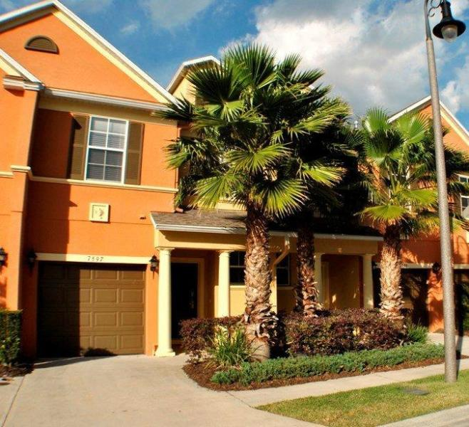 Jenny's Disney Escape 5 miles from Disney!!, holiday rental in Reunion
