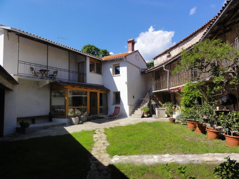 Vila Dane - enjoy Karst lively, vacation rental in Vremski Britof