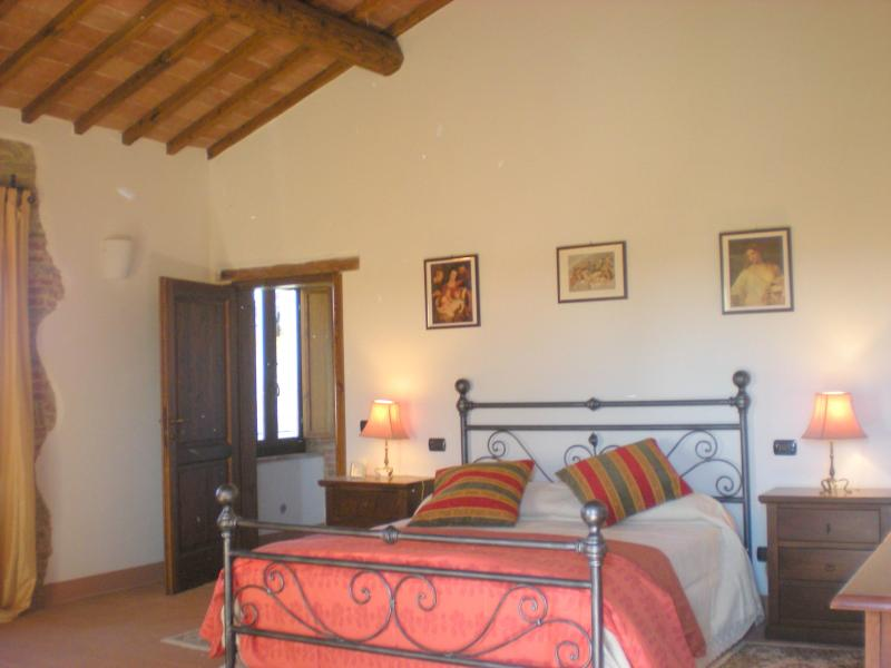 DOUBLE BEDROOM with little terrace on the first floor