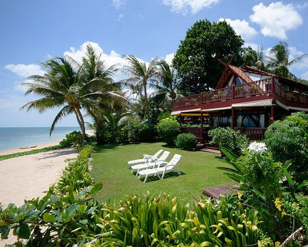 Absolute Beachfront Award Winning Villa with Private Pool & Spa, alquiler de vacaciones en Koh Samui