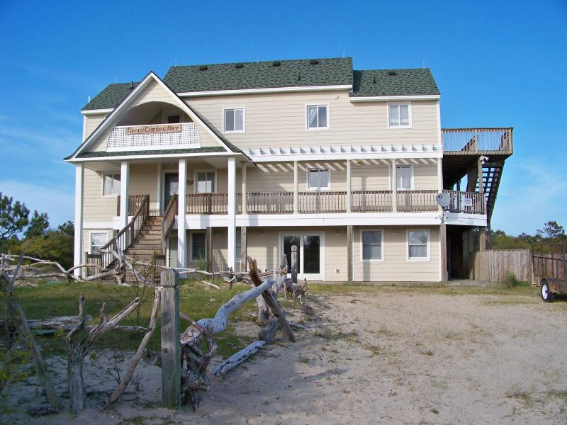 Welcome to SandyCheeks Your home on the beach for the week!