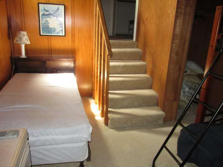 third bedroom pyramid bunk set and single bed. 2nd floor