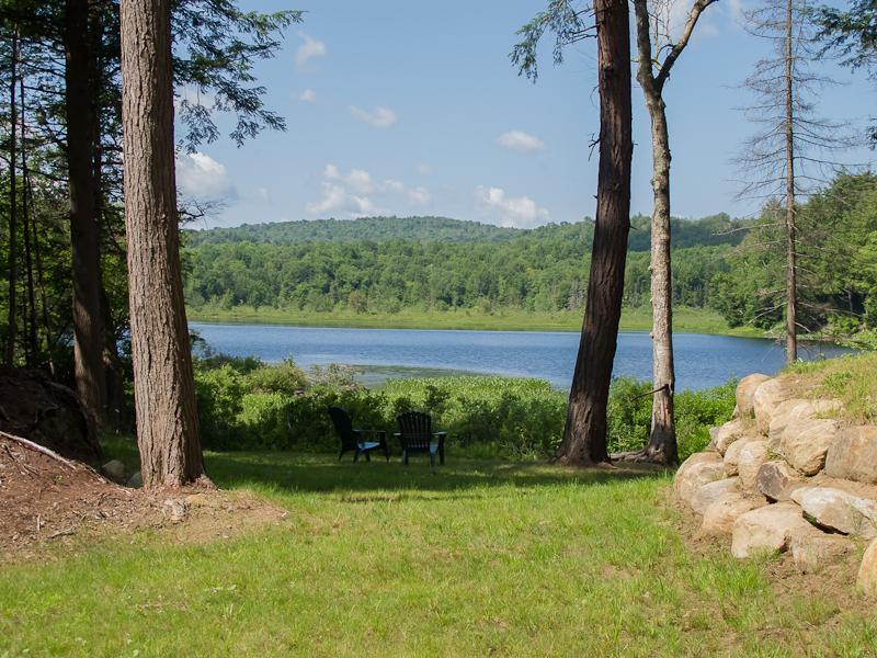 2 acres of Privacy Sorrounded by Woods