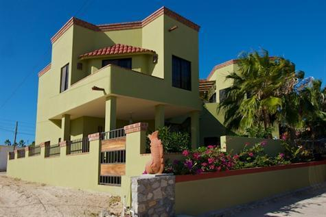 2BR Quest Unit, $560/wk.   3BR house $1750/wk.  Both units(5BR) $2300/wk, vacation rental in La Ribera