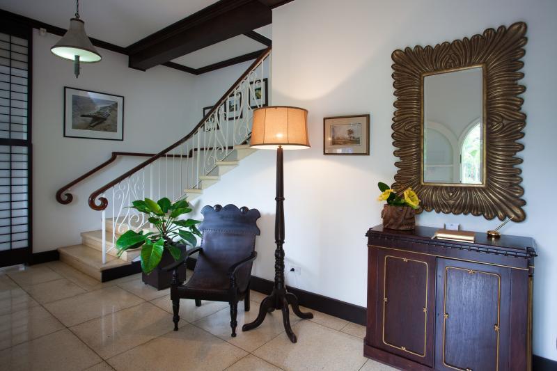 Main Villa Foyer