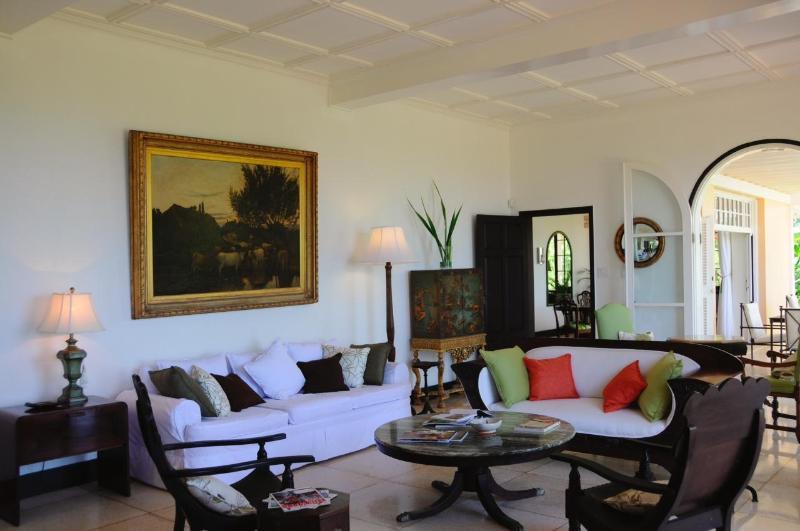 Living Room - Main Villa