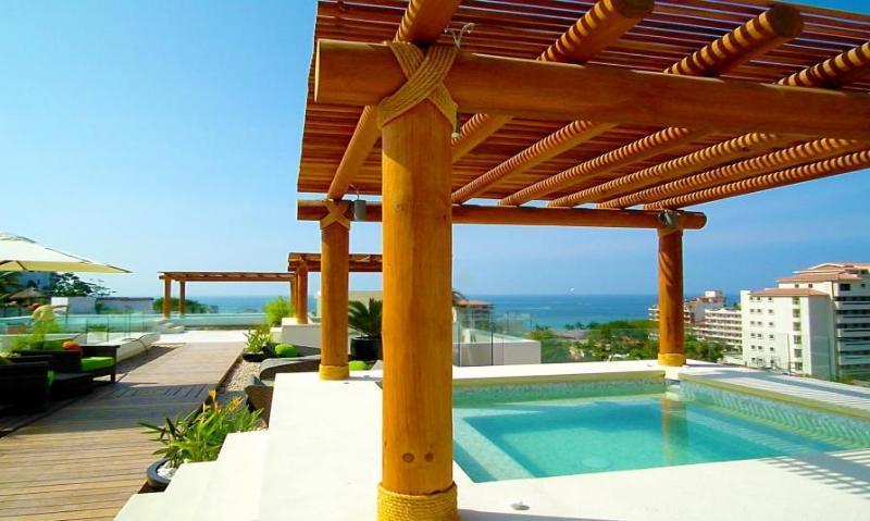 Amazing New 5* 1BR 2BA 5min to beach Fab Pool&View, vacation rental in Puerto Vallarta