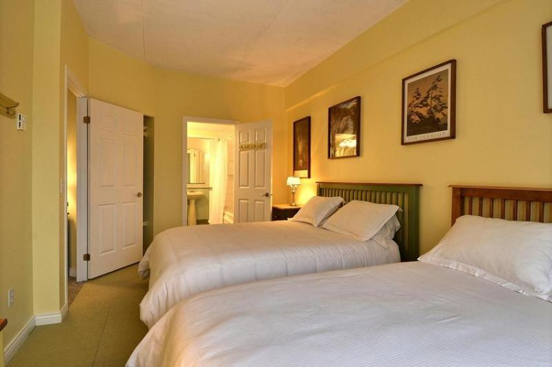 Guest Bedroom with Full Bathroom