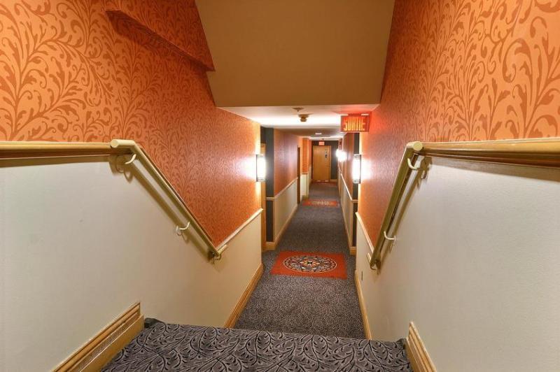Homewood Suites by Hilton Hotel Corridors