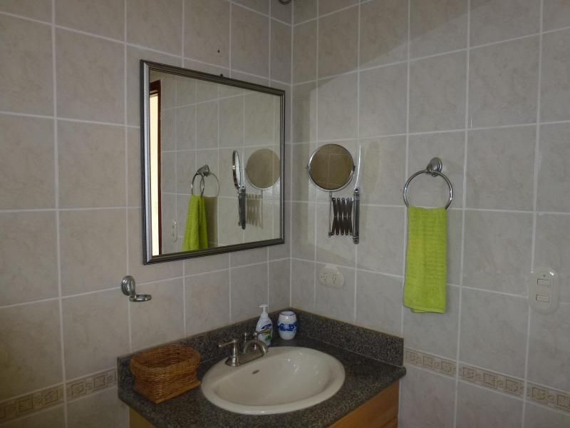 2do baño arriba con espejo flexible