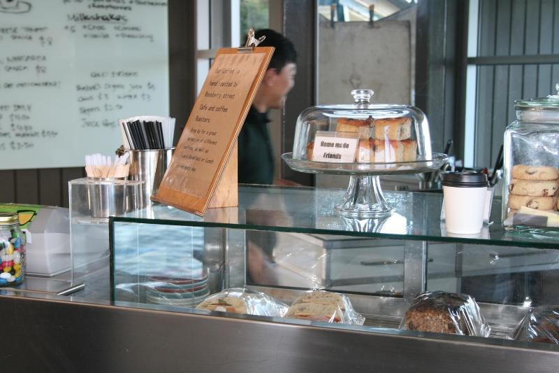 Coffee Shop at Cremorne Point Wharf