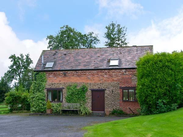 THE OLD BARN, near Bewdley, scenic forest and country walks, with off road, vacation rental in Cleobury Mortimer