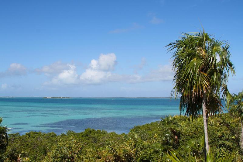 Gumelemi Bluff, holiday rental in Saint Georges Island