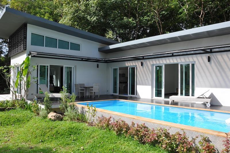 Tranquil Private Pool Villa Minutes from the Beach, location de vacances à Ko Lanta
