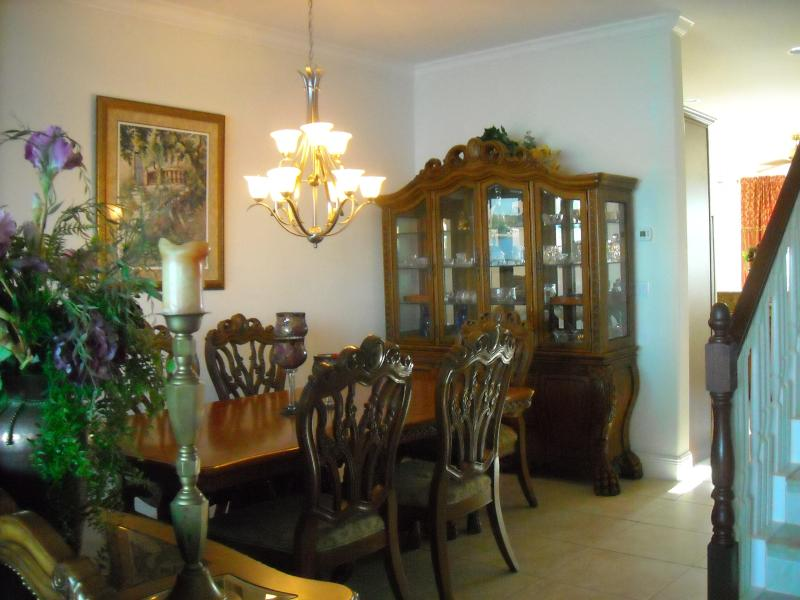 Another view of the dinning space