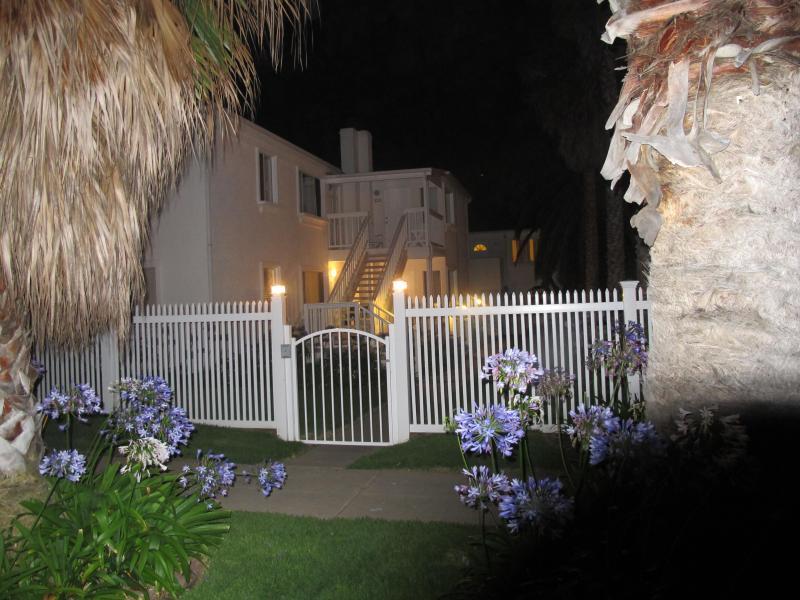 Villa Blanca bei Nacht