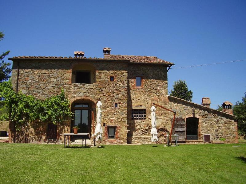 Podere Pievina, front of the property