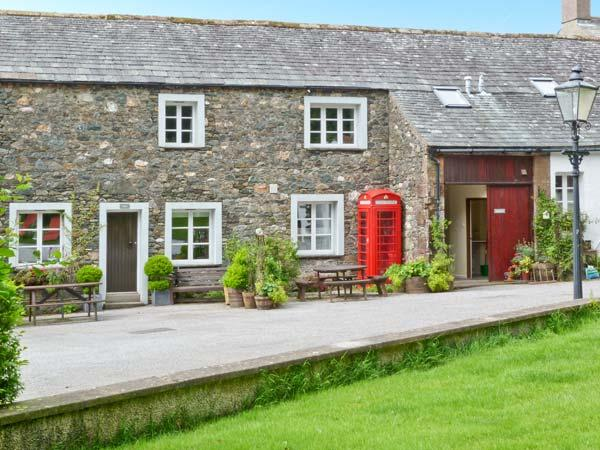 ULDALE, Grade II barn conversion, games room, large grounds, close lake at – semesterbostad i Bassenthwaite