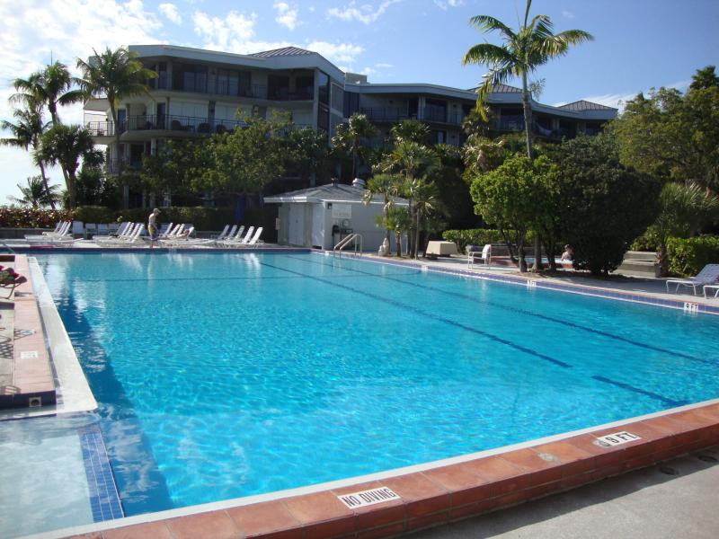 Key West Beachfront Luxury 2/2 Condo  A212 No Hurricane Damage, vacation rental in Key West