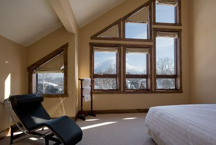 One of the main large bedrooms
