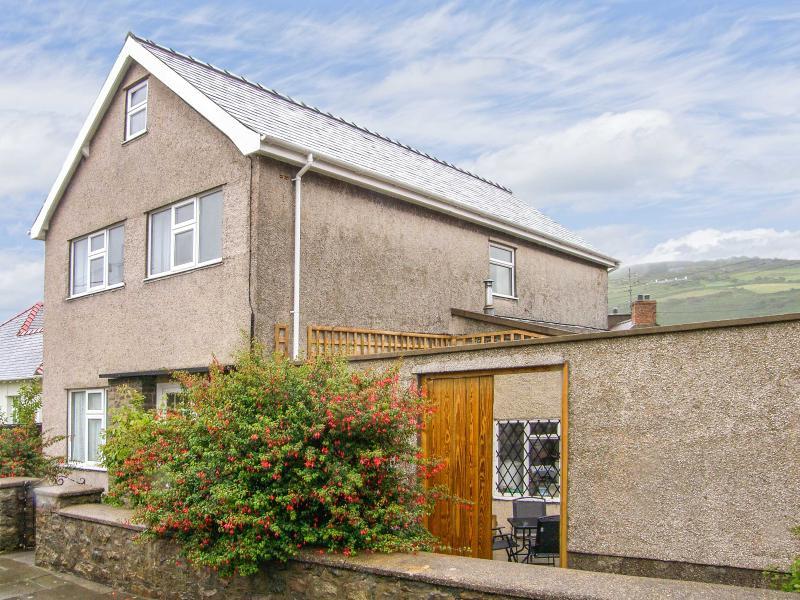 TAN Y BRACTY, duplex apartment with a fully enclosed garden, close to the, location de vacances à Boduan