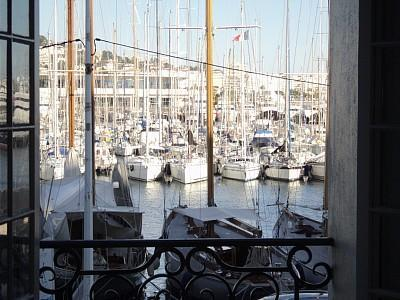 Luxury 2 bed apartment with  views of Cannes, vacation rental in Cannes