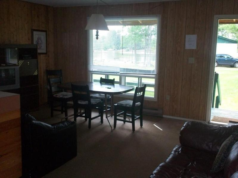 Chalkley's Sandy Bay Cottage # 8, holiday rental in North Bay
