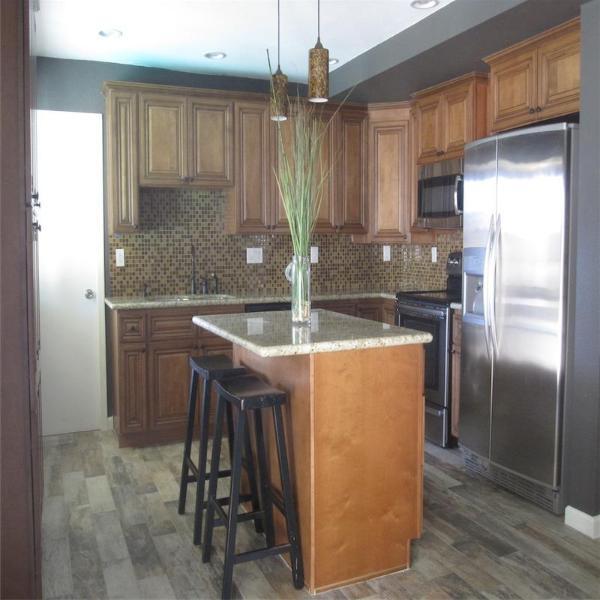 Granite/Stainless Kitchen