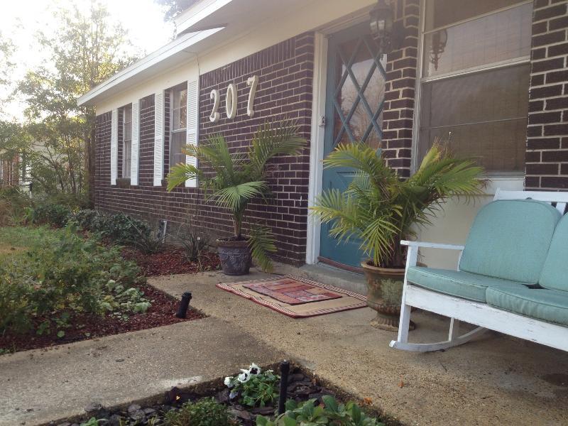 Cozy Cottage front
