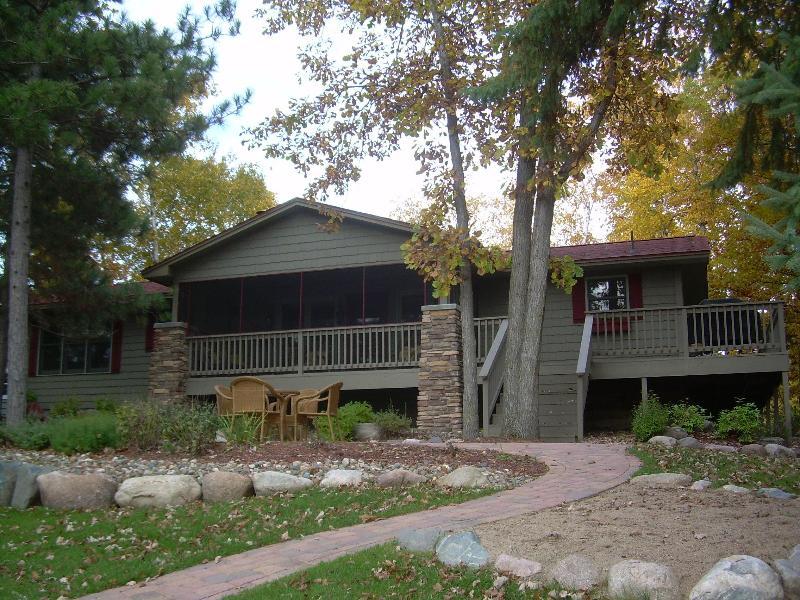Cozy 4 Bedroom Lake House on the Whitefish Chain, aluguéis de temporada em Crosslake
