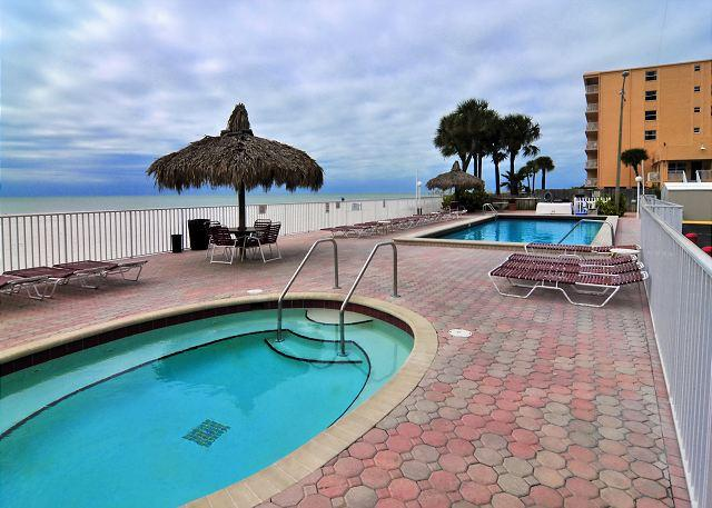Sea Breeze Condominium 303, location de vacances à Madeira Beach