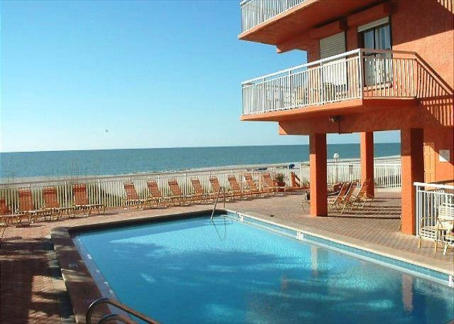 Chateaux Condominium 403, vacation rental in Indian Shores