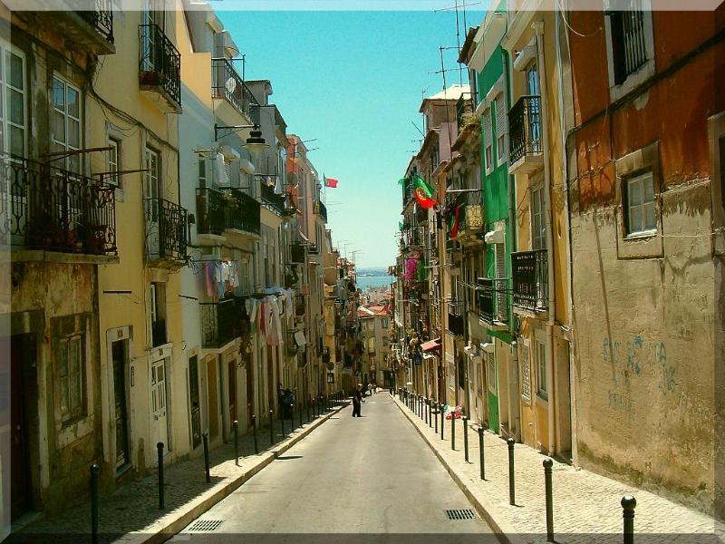 Calçada de Santana the main street nearby and Pena Neighborhood. Typical Lisbon.
