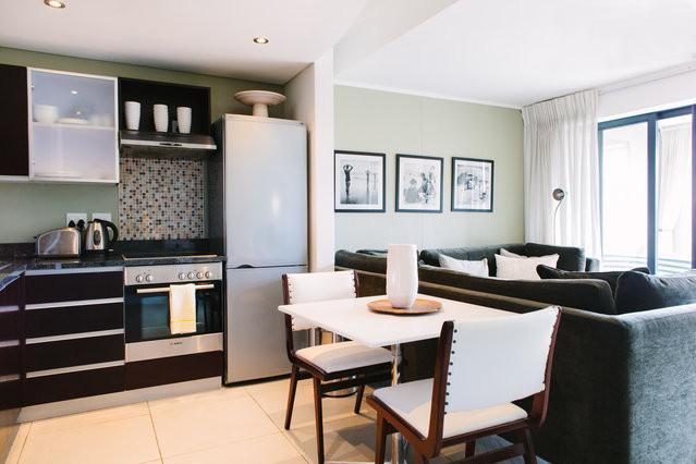 Deluxe 1-Bedroom Apartment in De Waterkant. WiFi included, holiday rental in Cape Town