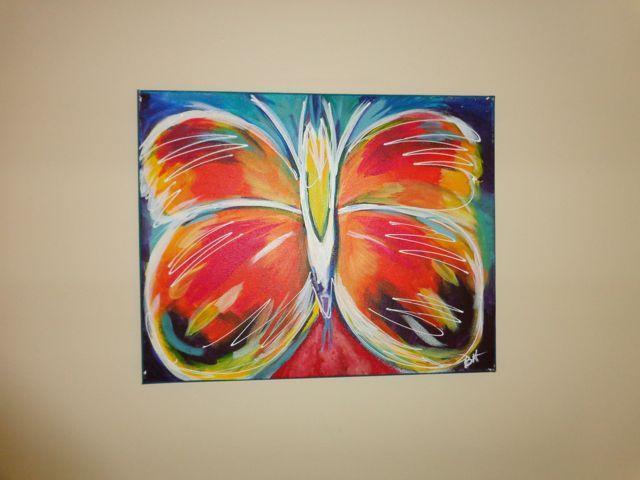 Arte colorido en la oficina/sala de televisión