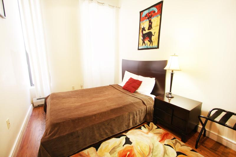 Bedroom 2 with 1 Queen Bed