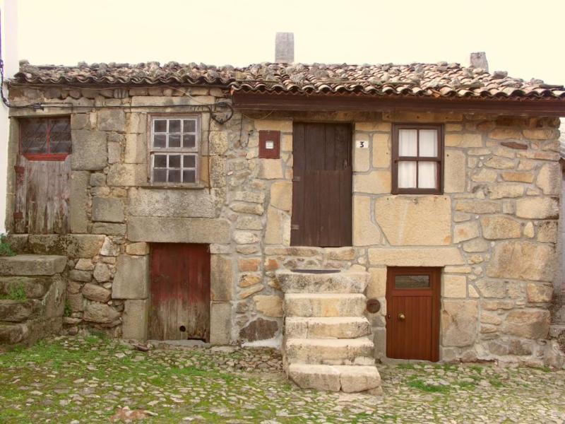 Balcão House